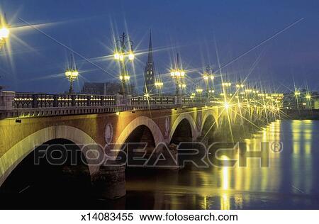 stock image of pont de pierre bridge over gironde river at night bordeaux france x14083455. Black Bedroom Furniture Sets. Home Design Ideas