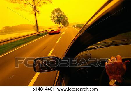 banques de photographies voiture conduite sur route pays allemagne x14814401 recherchez. Black Bedroom Furniture Sets. Home Design Ideas