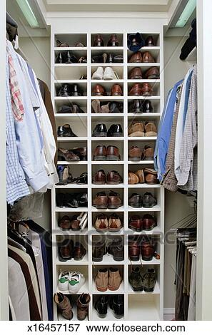 image placard chaussure assortiment x16457157. Black Bedroom Furniture Sets. Home Design Ideas