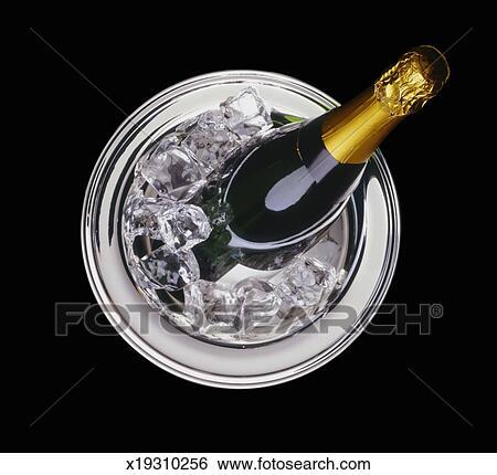 Archivio di immagini champagne in secchiello for Secchiello portaghiaccio
