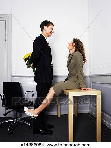 Banque de photo couples affaires dans bureau homme for Bureau homme