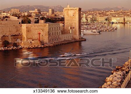 Banque d 39 images france bouches du rh ne marseille - Parking vieux port fort saint jean marseille ...