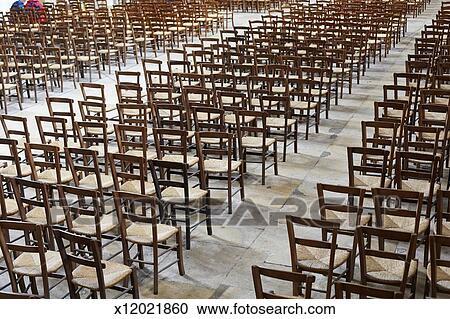 Stuhlreihe clipart  Stock Fotografie - stuhlreihe, in, bordeaux, kathedrale x12021860 ...