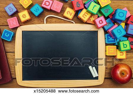 Schultafel mit kreide clipart  Tisch Schule Clipart | daredevz.com