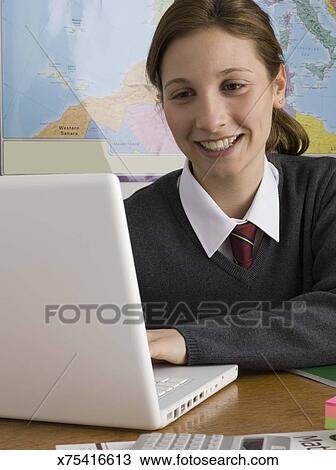 laptops in school persuasive paper