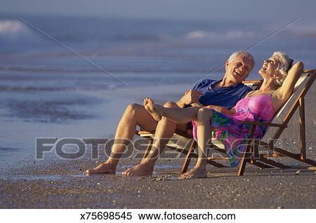Фото ебли молоденьких стариками