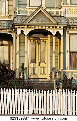 Immagine facciata di uno stile vittoriano casa for Costruire una casa in stile vittoriano