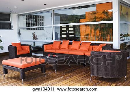 Banques de photographies divan et fauteuils dans a for Divan et fauteuil