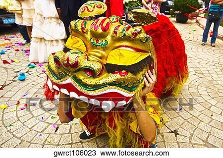 Banque de photo personne dans dragon chinois - Photo de dragon chinois ...