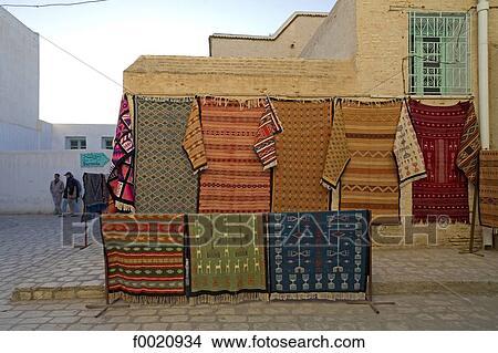 Suche teppich  Stock Foto - tunesien, kairouan, teppich, hersteller f0020934 ...