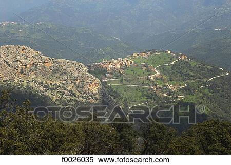 Banque d 39 image alg rie grand kabylia kabyle villages for Banque exterieur d algerie