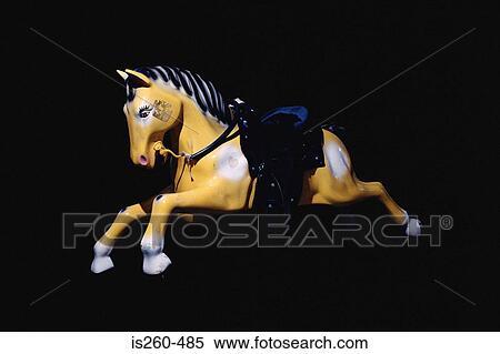 stock bild pferd spielzeug reiten f r kindern is260 485 suche stockfotos wandbilder. Black Bedroom Furniture Sets. Home Design Ideas