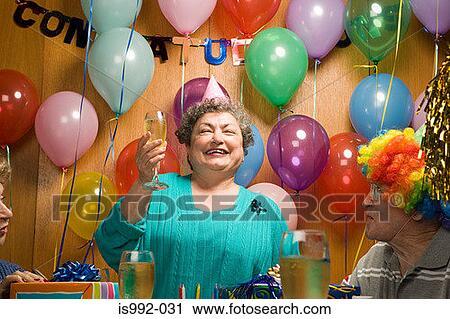 Подарок женщине на 55 летний юбилей оригинальный своими руками