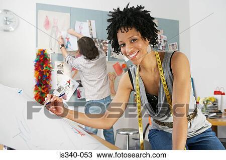 Banque de photo couturier dessin is340 053 recherchez des images des photographies et des - Dessin couturiere ...