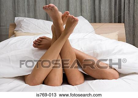 Фото целуют ножки