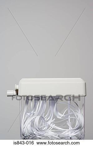 banque d 39 images d chiqueteuse papier is843 016. Black Bedroom Furniture Sets. Home Design Ideas