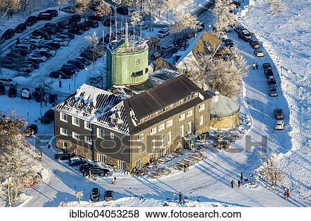 bilder aerial ansicht astenturm turm mit dass wetterwarte in dass schnee mt kahler. Black Bedroom Furniture Sets. Home Design Ideas