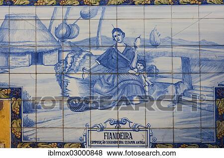 Images azulejo mural fait de carreaux c ramique tenue femme a - Carreaux de ceramique mural ...