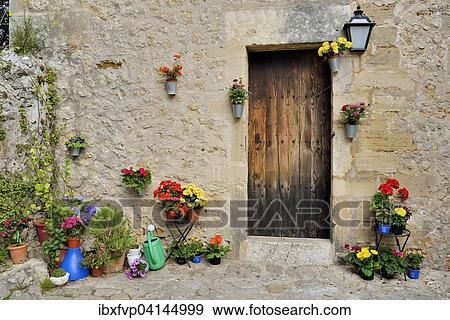 banque de photographies - pots fleurs, devant, a, maison, pollenca