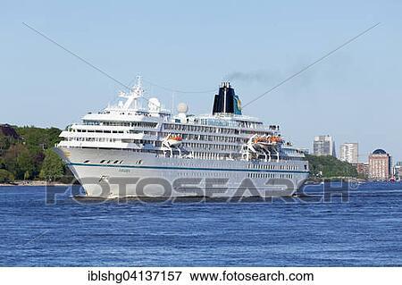 Picture Of Cruise Ship Amadea Th Hamburg Harbour Anniversary - Cruise ship amadea