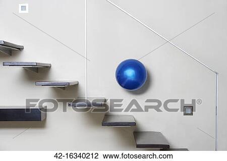 stock foto modernes treppenaufgang und lampe 42. Black Bedroom Furniture Sets. Home Design Ideas