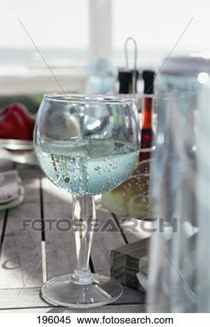banque d 39 image table nourriture verre vin boisson gros plan 196045 recherchez des. Black Bedroom Furniture Sets. Home Design Ideas