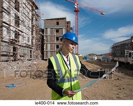 Banque de photo architecte sur chantier ie400 014 for Chantier architecte