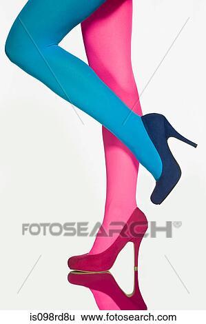 Banque d 39 images femme contraster collants et for Collant mural francais