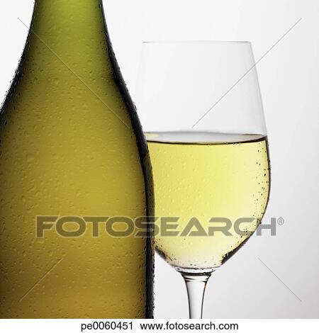 攝影圖庫 - 瓶子, ......的, 白葡萄酒... 瓶子, ......的, 白葡萄酒, 在
