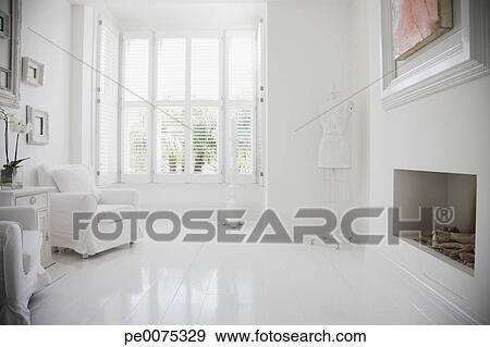 Caminetto Soggiorno decorazione : fotografico - poltrone, e, caminetto, in, elegante, bianco, soggiorno ...