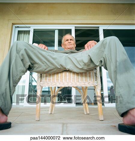 man nude legs spread