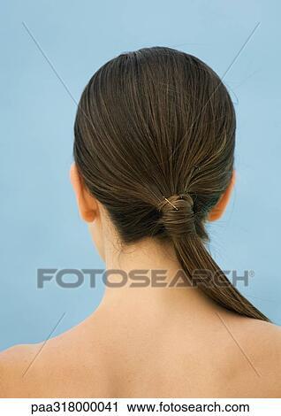 banques de photographies femme nu dos sup rieur et t te queue cheval paa318000041. Black Bedroom Furniture Sets. Home Design Ideas