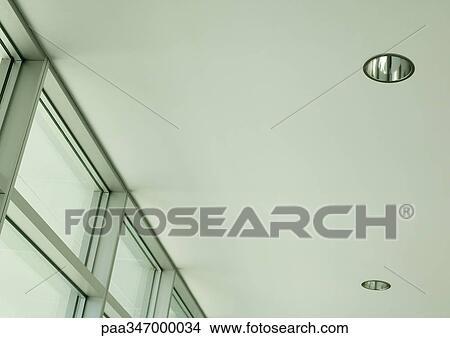 banque de photo plafond allume et fenetres paa347000034 recherchez des images des. Black Bedroom Furniture Sets. Home Design Ideas
