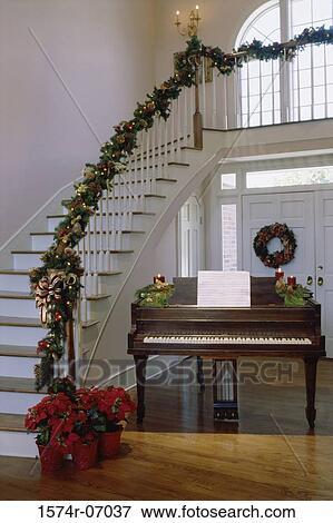 image d corations no l sur a escalier rampe 1574r. Black Bedroom Furniture Sets. Home Design Ideas