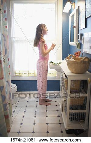 Stock Photography Of Side Profile Of A Teenage Girl