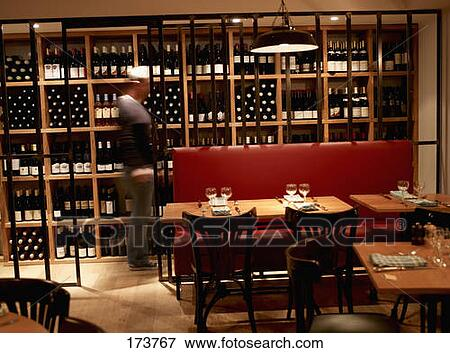 picture of le garde manger wine bar at saint cloud 173767. Black Bedroom Furniture Sets. Home Design Ideas