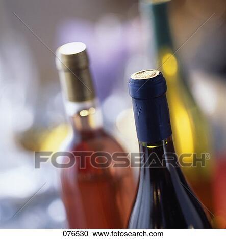 攝影圖庫 - 酒的瓶子. Fotosearch ... 酒的瓶子076530 SoFood 免版