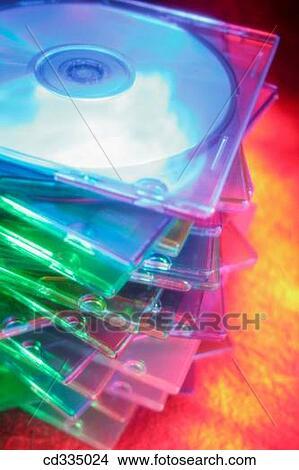 Stock foto cd roms cd335024 zoek foto 39 s fresco fotografie n beelden afbeeldingen en - Idee opslag cd ...