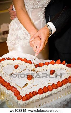 ... coeur, gâteau mariage. Fotosearch - Recherchez des Photos, des Images