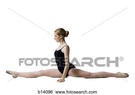 Banque d 39 images adolescent ballerine dans collant for Collant mural francais