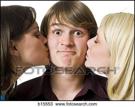两个女孩 亲吻