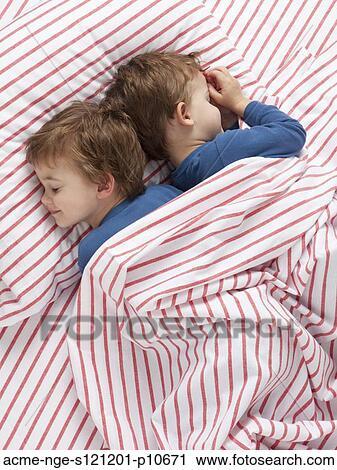 stock fotografie usa utah orem zwilling knaben 2 3. Black Bedroom Furniture Sets. Home Design Ideas