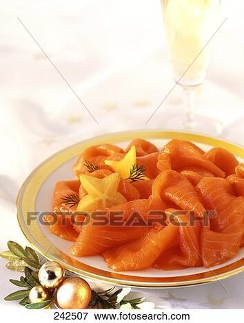 image saumon fum 233 et verre chagne 224 d 233 coration no 235 l 242507 recherchez des photos des