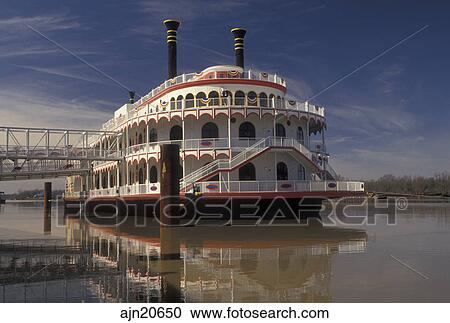 casino riverboat steamboat mississippi vicksburg mississippi river ms harrahs riverboat casino on the mississippi river in vicksburg - Bateau Mississipi