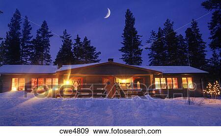 Colección de fotografía   cabaña montaña, debajo, cresent, luna, y ...