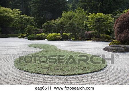 Banco de fotograf as raked arena y manicured rboles for Arboles jardin japones