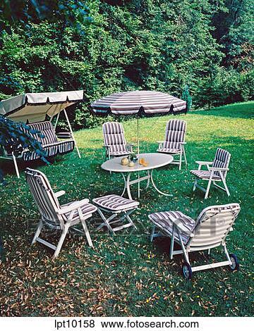 Immagini mobilia giardino sedie poltrone prato for Mobilia in inglese