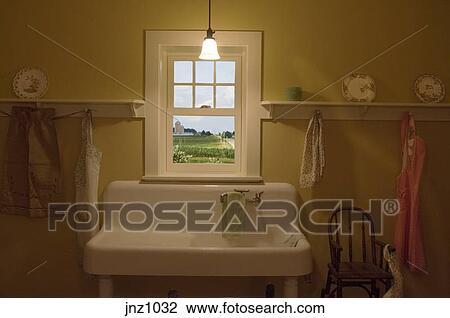 Stock Foto - boerderij, keuken, met, raam overzicht, van ...