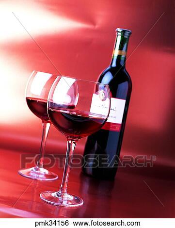 banque d 39 images verre verre vin rouge boisson vin alcool boisson bouteille pmk34156. Black Bedroom Furniture Sets. Home Design Ideas