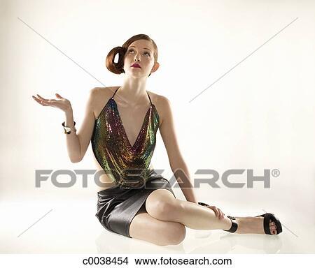 Stock foto elegante kaukasisches frau in minirock for Elegante wandbilder
